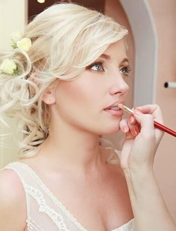 bridal-makeup-lips-gloss